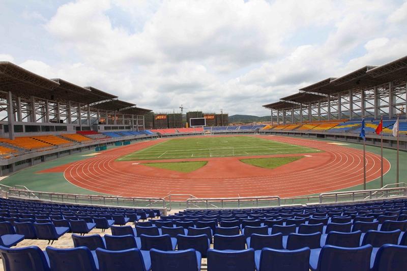 东兴体育场